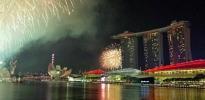 Marina Bay illuminated by Fireworks