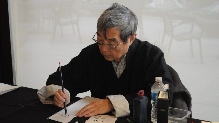 chinese_calligrapher_at_crow_museum_01